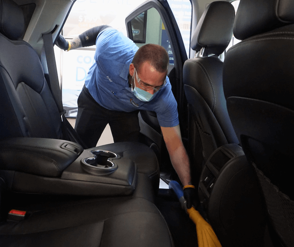Cobblestone_Full_Service_Car_Wash_Vacuuming